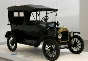 Pirmais auto nomai